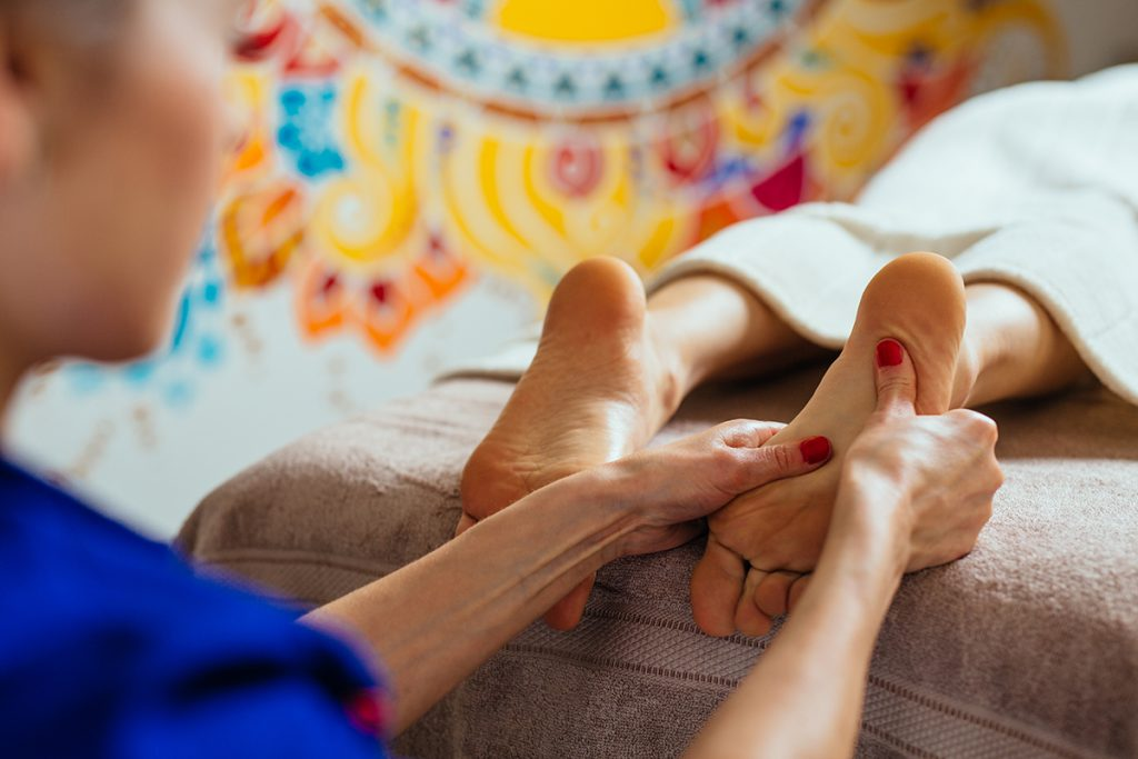 the growing practice of massage therapy in the usand its benefits Although there is no cure for fibromyalgia, pain can be managed -- and massage for fibromyalgia patients is one way to practice pain management.